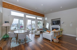 6 415 W Esplanade Avenue Living Room